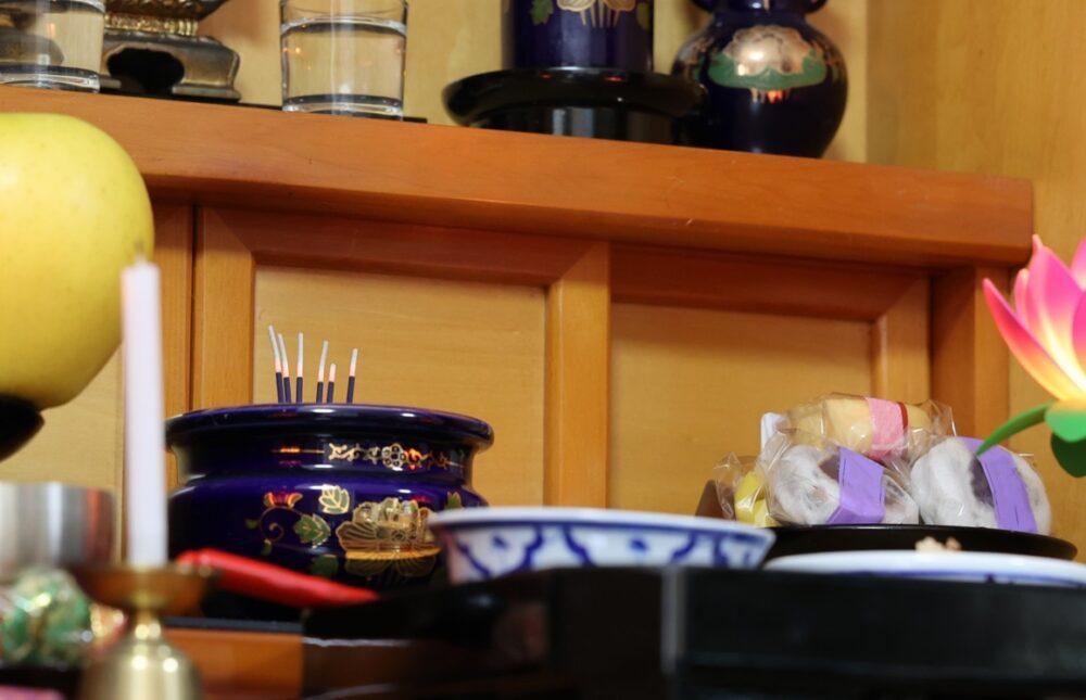 仏壇とお供え物
